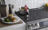 您可以在GE最新炉子的电磁炉上进行真空低温烹调