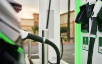 电动汽车充电说明家中和路上最快的充电器