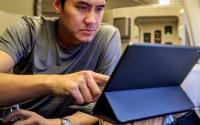 苹果 iPad Pro 平板电脑的便携性评测